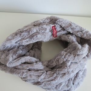 Faux Fur Small Infinite Scarf